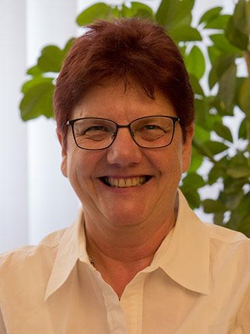 Karin Wolff, Rechtsanwaltsfachangestellte